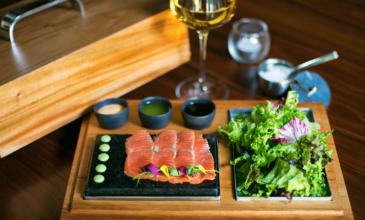 sashimi-raw-bar